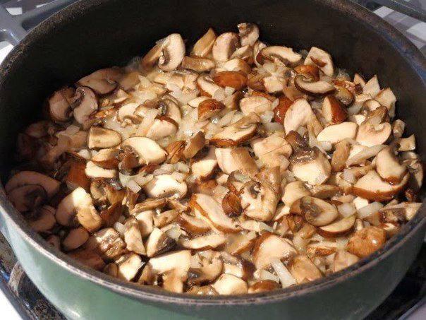 Рецепт Гречневая каша с грибами, луком и яйцом  шаг-4