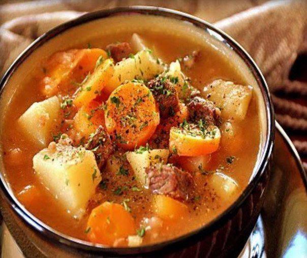 Готовим Закуски Картофель с говядиной в горшочках