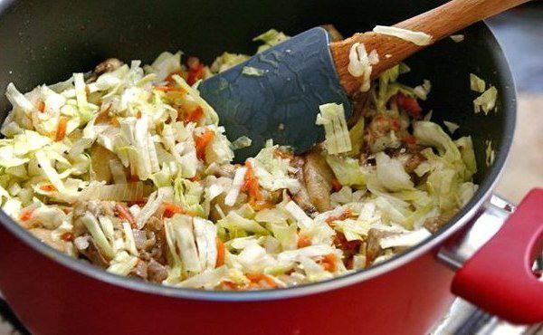 Рецепт Рис с капустой и курицей шаг-3