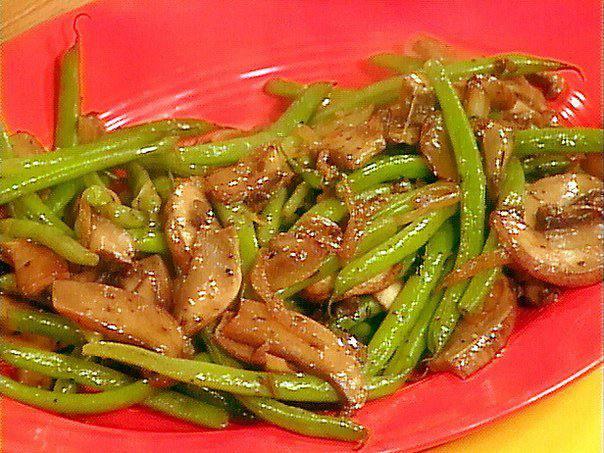Готовим Закуски Соте из зеленой фасоли с грибами