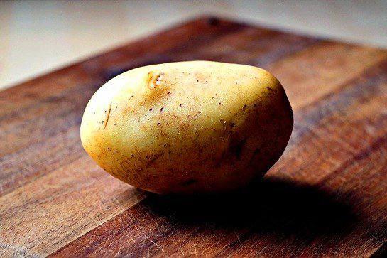 Рецепт Запеченый картофель с сыром шаг-1