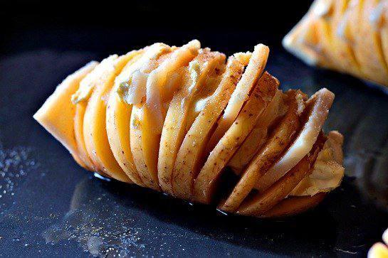 Рецепт Запеченый картофель с сыром шаг-3
