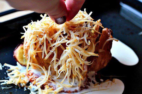 Рецепт Запеченый картофель с сыром шаг-5