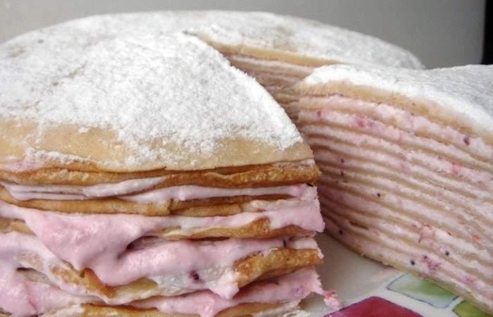 Готовим Десерты Блинный торт с творогом и клубникой