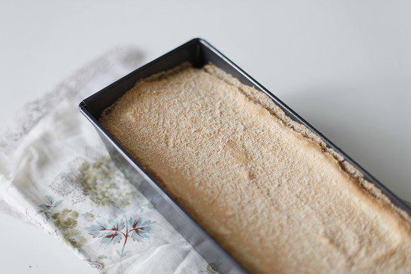 Рецепт Ангельский торт со сливками и ягодами шаг-3