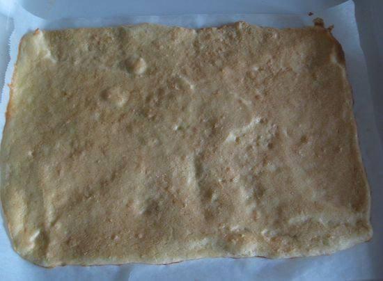 Рецепт Рулет с шоколадным кремом шаг-3