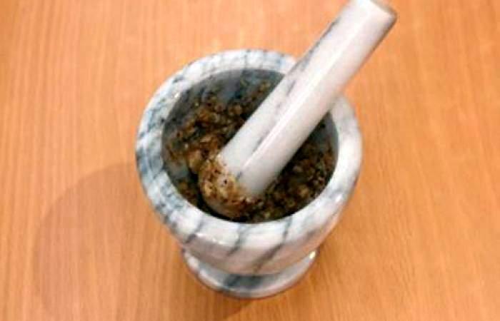 Рецепт Баранина запеченная с чесноком и травами  шаг-2
