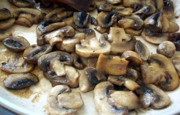 Брокколи с шампиньонами под сыром