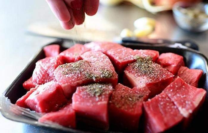 Рецепт Гуляш из говядины шаг-1