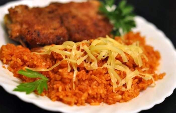 Рецепт Рис с томатным соусом и сыром шаг-5