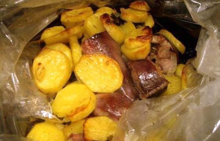 Рецепт Сом, запеченный в рукаве с картофел. шаг-5