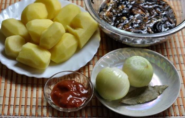 Рецепт Тушеная картошка с грибами шаг-1