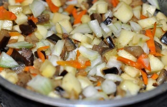 Рецепт Тушеные баклажаны с кабачками шаг-9