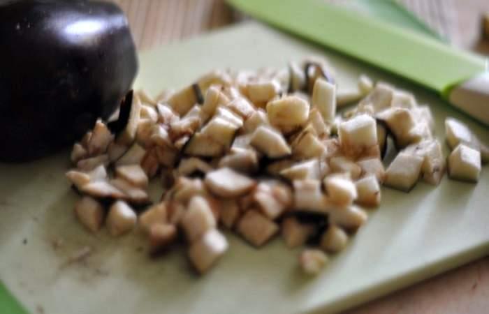 Рецепт Тушеные баклажаны с кабачками шаг-1