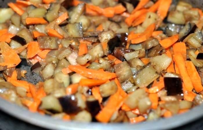 Рецепт Тушеные баклажаны с кабачками шаг-7