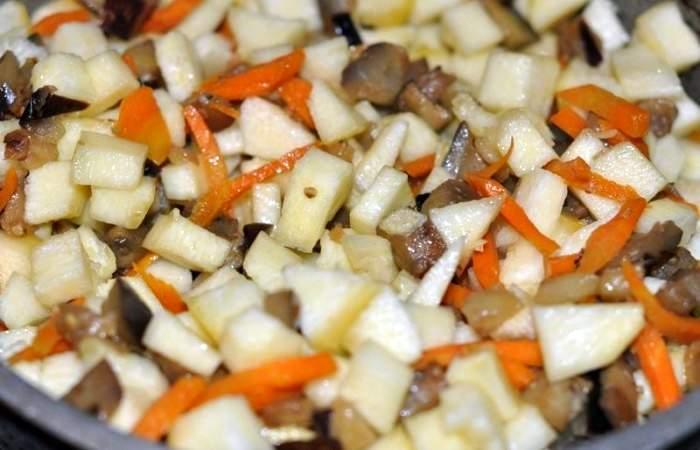 Рецепт Тушеные баклажаны с кабачками шаг-8