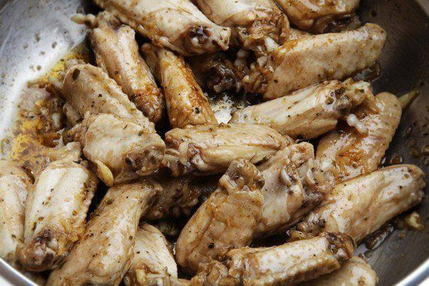 Рецепт Куриные крылышки с сыром пармезан  шаг-2