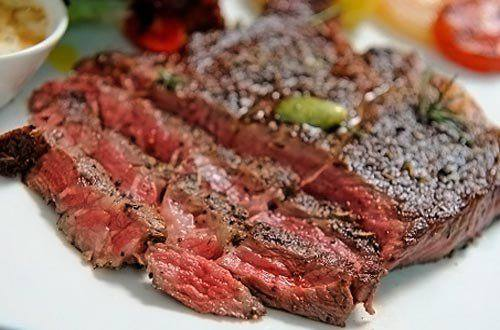 Готовим Мясо Стейк с соусом из красного вина