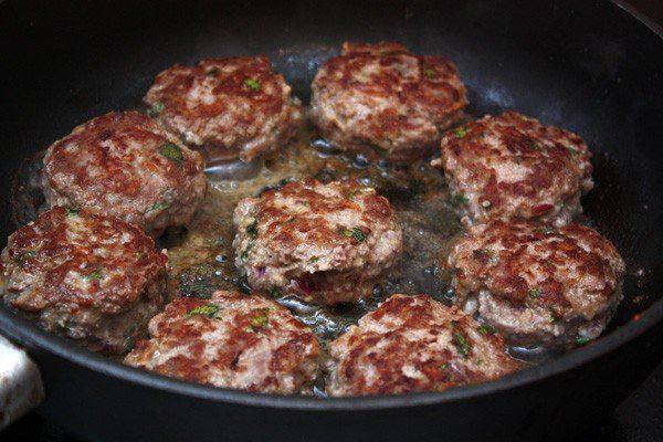 Рецепт Тефтели в томатном соусе с мятой  шаг-4