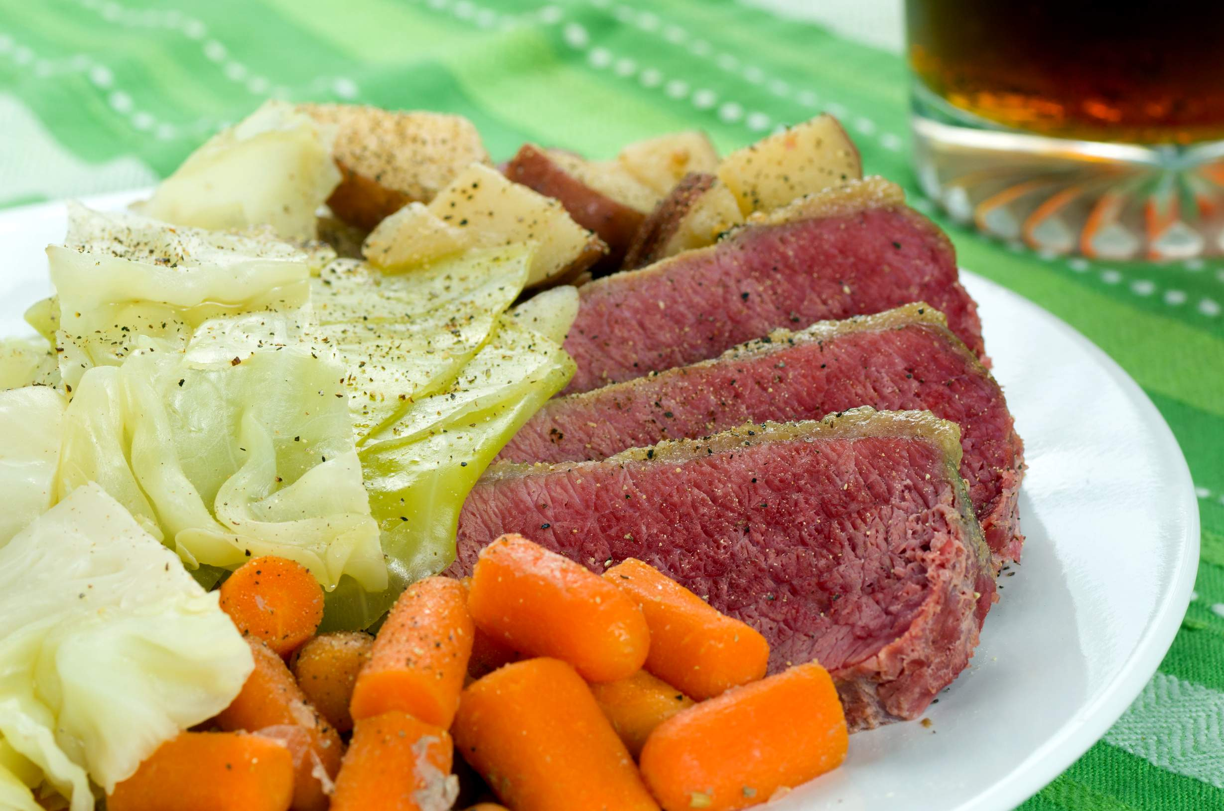 Мясо Грудинка под голландским соусом