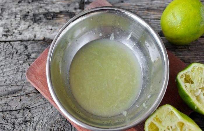 Рецепт Салат из клубники с индейкой  шаг-4