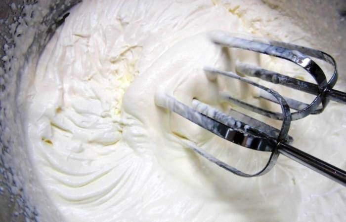 Рецепт Салат из клубники с индейкой шаг-5
