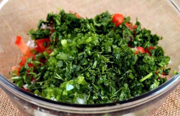 Рецепт Салат с помидорами и острым перцем шаг-5