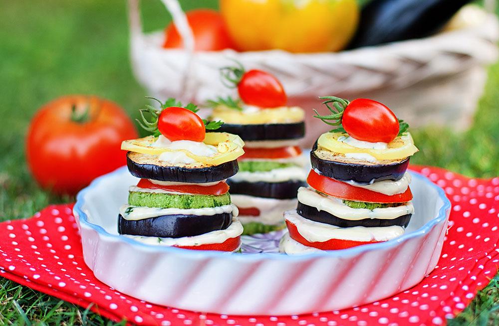 Готовим Здоровье Салат из баклажанов и помидоров с моцареллой
