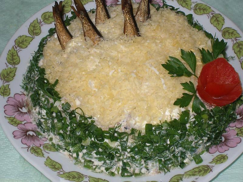 Салат Рыбки в пруду с оливковым маслом