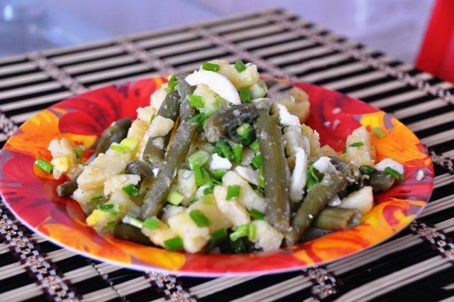 Салат из стручковой фасоли картофель лук яйцо