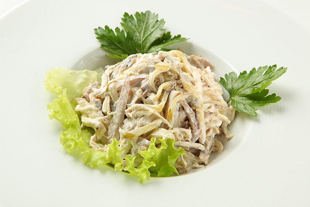Салат из языка говяжьего с солеными огурцами рецепт с фото ...
