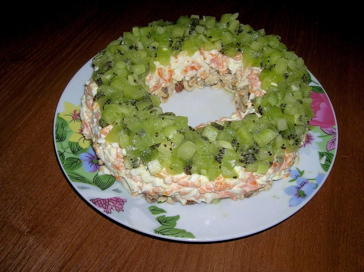 Салат с киви Малахитовый браслет