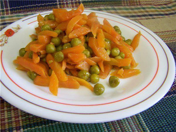 Салат с горошком и морковью