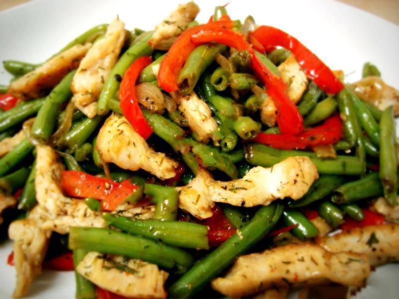 Салат фасоль курица перец болгарский лук помидор
