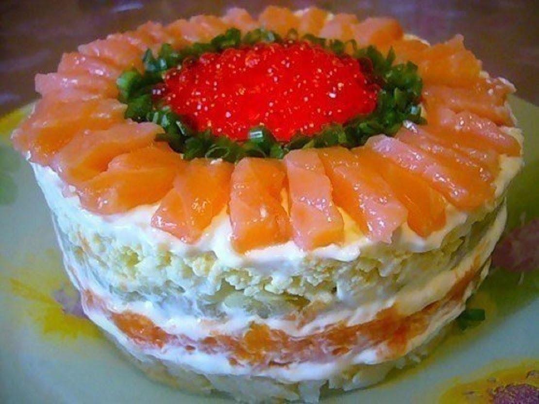 Салат с икрой и красной рыбой рецепт