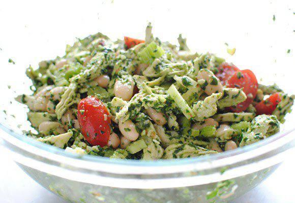 Рецепт Куриный песто салат со шпинатом  шаг-4