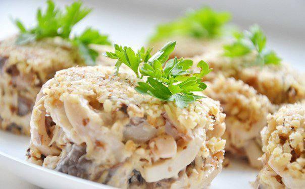 Готовим Салаты Ореховый салат с кальмарами