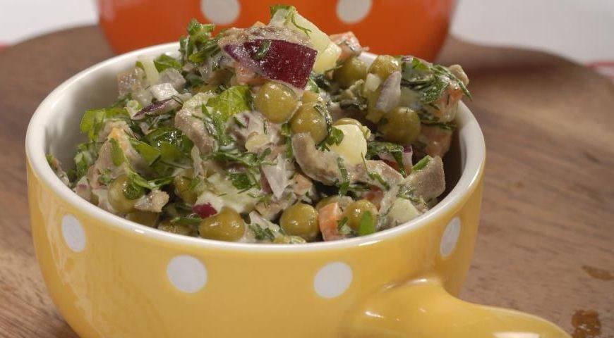 Салат со свининой и горошком рецепт