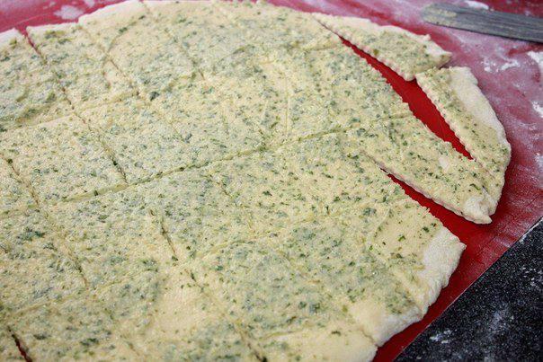 Рецепт Обезьяний хлеб с чесночным маслом шаг-1