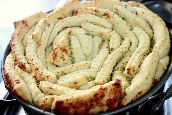 Рецепт Обезьяний хлеб с чесночным маслом шаг-3