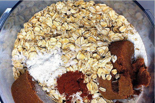 Рецепт Печенье с малиной и овсяными хлопьями шаг-1