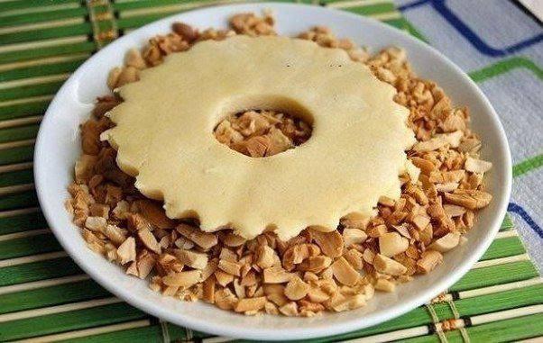 Рецепт Песочные кольца с арахисом шаг-3
