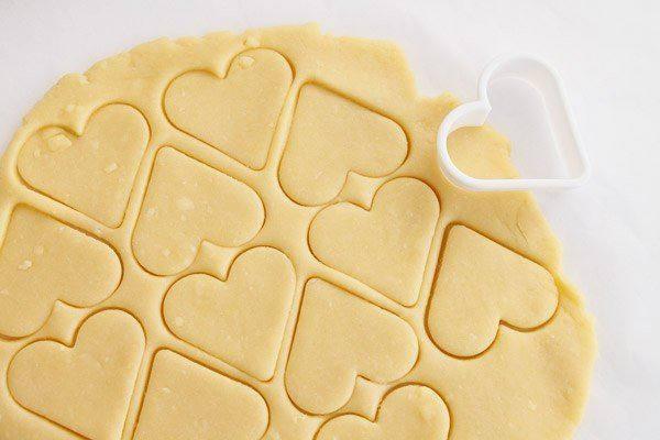 Рецепт Сырное печенье с орехами и кунжутом шаг-6