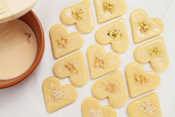 Рецепт Сырное печенье с орехами и кунжутом шаг-7