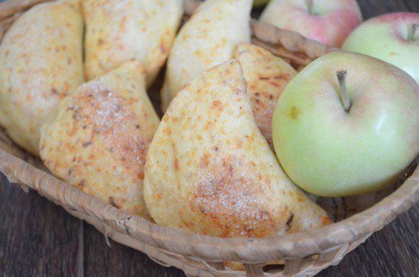 Готовим Выпечка Яблочные пирожки из сырного теста