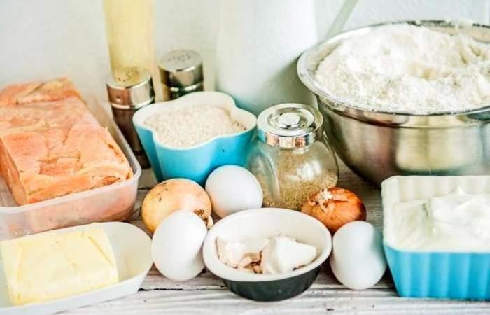 Рецепт Рыбный пирог с рисом из дрожжевого теста шаг-1