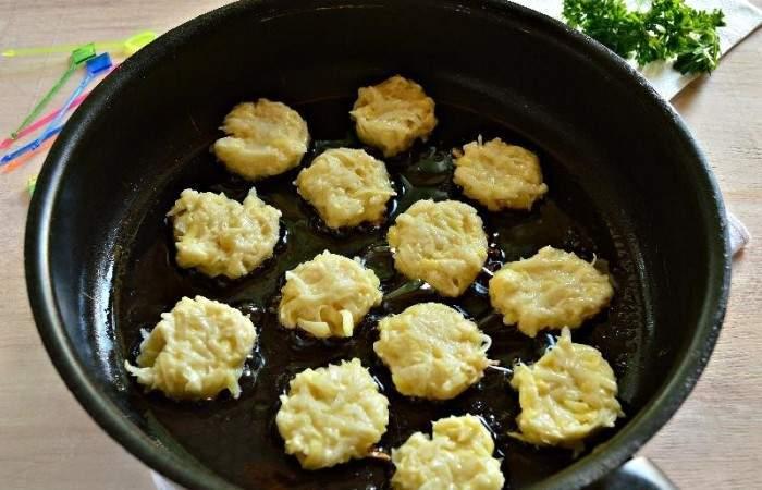 Рецепт Картофельные канапе с сельдью шаг-7