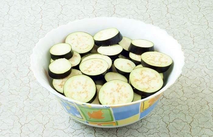 Рецепт Овощной салат из баклажанов  шаг-2