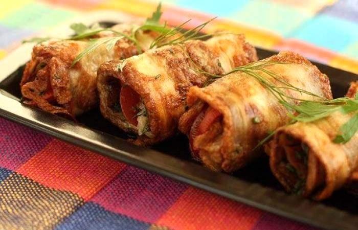 Рецепт Рулетики из баклажанов с помидорами шаг-9