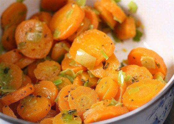 Морковь, запеченная с кориандром